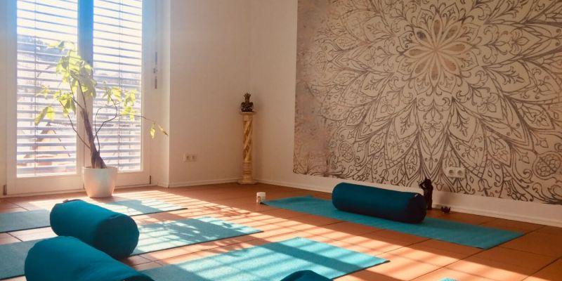 #127 (kein Titel) – Neben meiner Liebe zu Yoga. Bewusst. Sein. findest Du hier ergänzende Angebote: Ceragem, Access Bars, namaste Resonanz Therapie <br /> <br />