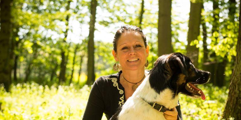 #378 (kein Titel) – Vertrauen basiert auf Zuhören. Wie kannst Du und Dein Hund entspannen? Wir zeigen Dir Wege.